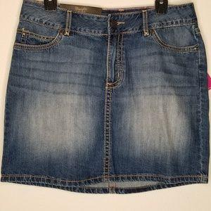 Wrangler Retro Mae Mid Rise Denim Skirt size 7 nwt